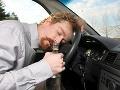Alkohol ho premohol: Opitý Jozef (54) zaspal v Bratislave za volantom