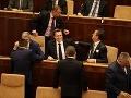 Uznesenie o zrušení amnestií vyšlo v Zbierke zákonov: Ústavnému súdu plynie lehota