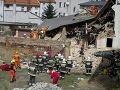 Po výbuchu plynu sa zrútil dom v Poľsku: Záchranári objavili telá všetkých ôsmich obetí