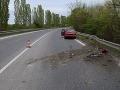 V Leviciach vyčíňal vodič pod vplyvom alkoholu: FOTO Narazil do zvodidiel