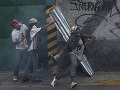 VIDEO Masové protivládne demonštrácie vo Venezuele: Hlásia už tri obete
