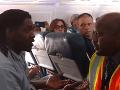 Aerolinky vyhodili z lietadla pasažiera: Urobil niečo, čo ste možno chceli niekedy spraviť aj vy