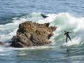 Brutálny útok na surfera: Kvôli štvormetrovému monštru zastavili celú súťaž