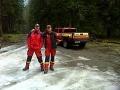 Na snímke dvaja príslušníci Hasičského a záchranného zboru, ktorí nehodu neprežili, vpravo npor. Peter Toďor, vľavo pplk. Mgr. Radoslav Lacko.