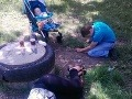 Otrasné VIDEO z parku: Rodičia na mol, pri pohľade na batoľa aj policajti zadržiavali slzy