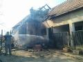 V okrese Námestovo museli zasahovať hasiči: Požiar rodinného domu, privolaný bol aj vrtuľník