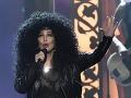 Výstrednosť je Cher blízka aj v súčasnosti. Takto sa predviedla v Las Vegas zhruba pred rokom.