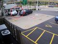 Ženu prepadol na benzínke zlodej: Svoje auto zachránila šialeným kaskadérskym trikom