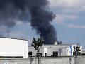 Rozsiahly požiar v areáli družstva v Dunajskej Lužnej sa už podarilo lokalizovať