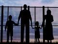 Slováci sú stále intolerantní, ukázal prieskum: Nechceme bývať vedľa Rómov, ani moslimov