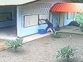 Najhlúpejší zlodej všetkých čias: VIDEO lúpeže storočia, muž vylomil okno a rýchlo precitol