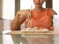 POZOR na toto jedlo! Môže u vás vyvolať rakovinu pečene a zabiť