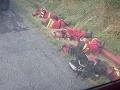 Skutoční hrdinovia! FOTO hasičov na pokraji síl po 12 hodinovom boji, získali si obrovský rešpekt