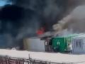 VIDEO Chaos na gréckom ostrove: Nespokojní utečenci pustošili a podpálili tábor