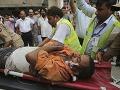 Tragická havária v Pakistane: Pri zrážke kamióna a minibusu zomrelo najmenej 17 ľudí