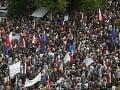 Dianie v Poľsku je veľmi znepokojujúce, tvrdí EK: Mohutné demonštrácie a boj o demokraciu