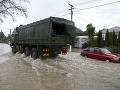FOTO Nový Zéland trápia silné dažde: Dostavili sa hrozivé záplavy