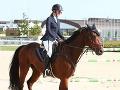 Dcéra Borisa Kollára, Alexandra, súťažila na pretekoch v skoku na koni.