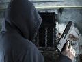 Lúpežné prepadnutie v centre Prahy: Žena páchataľa v obrane zastrelila