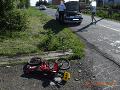 Sedemročný cyklista vbehol do cesty vodičke: Následne ju ohrozovali miestni obyvatelia