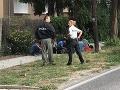 Policajná naháňačka pri Bratislave: FOTO Odhalili prevádzača, v aute viezol 11 utečencov
