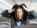 Zlý sen každého cestujúceho: Medzipristátie sa predĺžilo, ľudia sa v lietadle skoro udusili