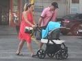 FOTO Malachovský si vyzdvihol synčeka a partnerku z pôrodnice!