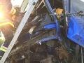 Tragická nehoda v Maďarsku: Autobus s policajtmi vrazil do kamióna bez brzdenia