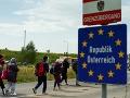 Výpary farieb ich takmer otrávili: Utečenci sa tajne doviezli do Viedne v kamióne so slovenskou EČV