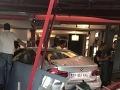 Vodič vrazil autom do reštaurácie vo Francúzsku: Zomrelo dievča (†13), ďalší sú ranení