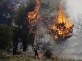 Ničivé požiare v dovolenkovom raji: Hasiči s nimi bojujú už tretí deň