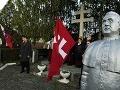 Známy americký denník si podal našu krajinu: Kontroverzné politické sochy má aj Slovensko