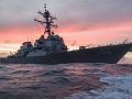 Napätie sa stupňuje: Čínsky torpédoborec ohrozil americkú loď, tvrdí námorníctvo USA