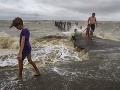 Hurikán Harvey zasiahol americký