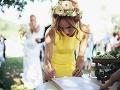 Jedným zo svedkov bola aj herečka Táňa Pauhofová, ktorá očarila krásnymi žltými šatami.