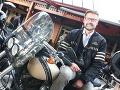 Andy Kraus podľahol jazdeniu na motorkách.