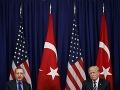 Trump a Erdogan viedli ďalší rozhovor o Sýrii: Izrael medzitým útočil na iránske ciele