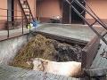 Dramatická záchrana na FOTO: Českí hasiči v plnom nasadení, zviera uviazlo v hnoji