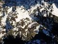 Varovanie pre veľhory: Vo Vysokých Tatrách trvá druhý stupeň lavínového nebezpečenstva