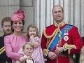 Vojvoda a vojvodkyňa z Cambridge so svojimi ratolesťami