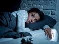 Prehadzujete sa v noci v posteli? Osem tipov, ktoré vám pomôžu vychutnať si blažený spánok
