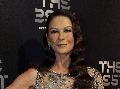 Catherine Zeta-Jones v spoločnosti: Bez muža, bez vrások, bez podprsenky!