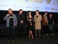 Celeste Buckingham so svojimi kolegami odpremiérovala film Bajkeri.