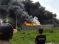 Požiar v indonézskej továrni pripravil o život desiatky ľudí: Niektoré telá ani nejde identifikovať