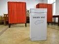 Na snímke volebná schránka