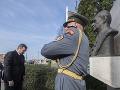 Andrej danko pred pamätníkom Alexandra Dubčeka