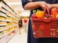 Hrozivá správa pre Slovákov: Základná potravina zmizla z obchodov, ceny trhajú rekordy