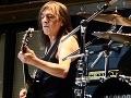 Čierny deň pre hudobný svet: Zomrel Malcolm Young, zakladateľ legendárnej skupiny AC/DC