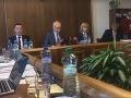 Fiasko v parlamente! Nové poplatky u lekára rozhádali poslancov: VIDEO Hádky, bojkot a vyhrážky