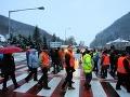 Liptáci a Oravci protestujú: Zablokovali cestu v Likavke, blokáda aj v Banskej Bystrici a Krupine